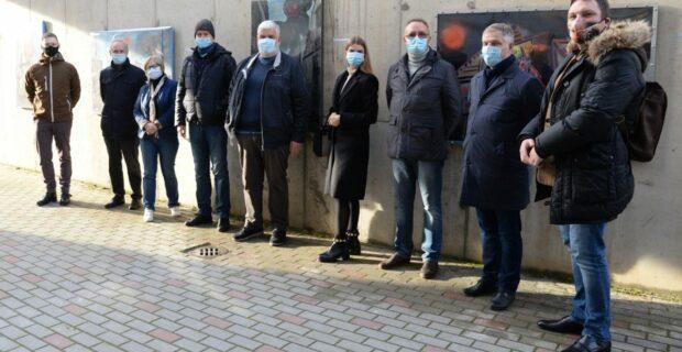 """Molėtuose atidaryta paroda po atviru dangumi: mecenatu tapo kredito unija """"Neris"""""""