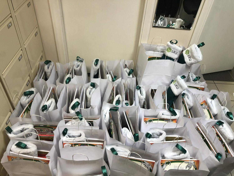 Pakruojo ūkininkų kredito unijos dovanos Žeimelio vaikų dienos centrui