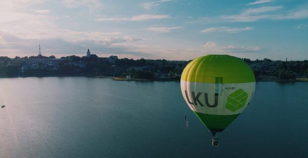 Arčiau debesų: pirmąkart pakilo oro balionas su LKU kredito unijų grupės logotipu