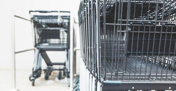 Lietuviai vartojimui skolinasi dažniau: ekspertai pataria, kokių klaidų nedaryti